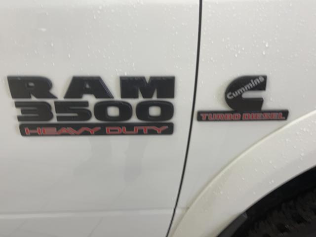 2017 RAM 3500 Laramie megacab Photo15