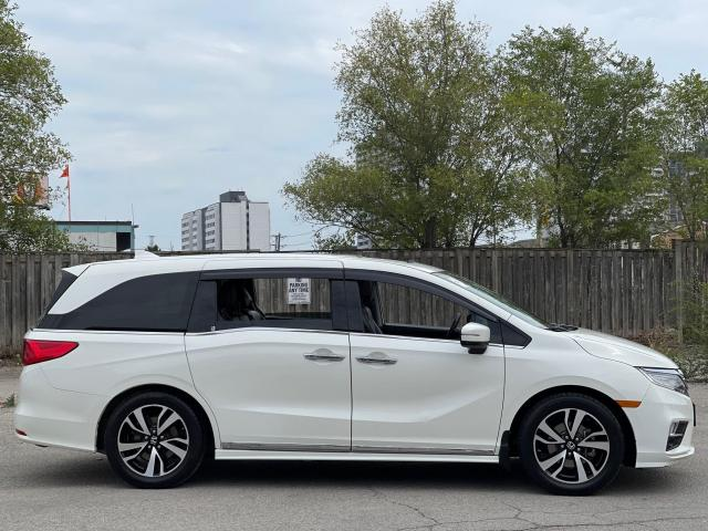2019 Honda Odyssey TOURING NAVIGATION/DVD/SUNROOF/8 Pass Photo4