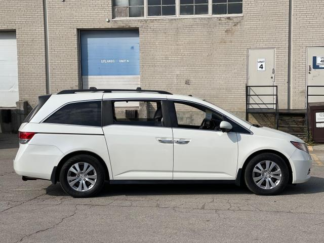 2015 Honda Odyssey EX-L Navigation/Sunroof/Leather/8Pass Photo4