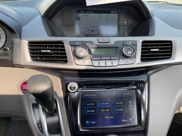2015 Honda Odyssey EX-L Navigation/Sunroof/Leather/8Pass Photo16