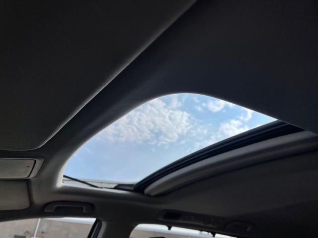 2015 Honda Odyssey EX-L Navigation/Sunroof/Leather/8Pass Photo21