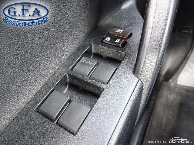 2017 Toyota Corolla SE MODEL, SUNROOF, BACKUP CAMERA, HEATED SEATS,LDW Photo19