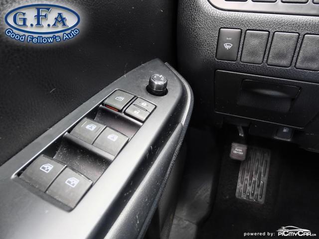 2018 Toyota Highlander SE MODEL, AWD, LEATHER SEATS, SUNROOF, NAVI, 7PASS Photo22