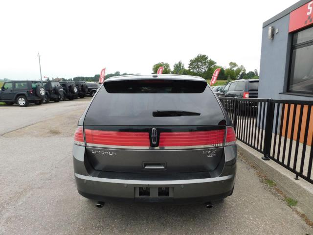 2010 Lincoln MKX Leather   Pano Roof   Two Sets of Tires