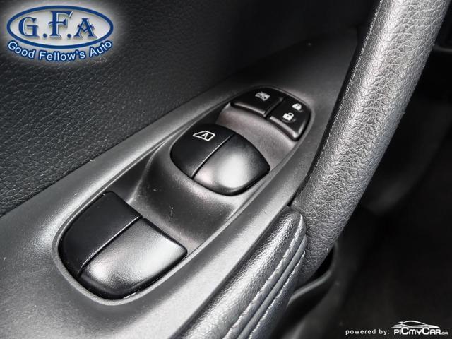 2017 Nissan Rogue SV MODEL, AWD, PANORAMIC ROOF, 360° CAMERA, NAVI Photo20