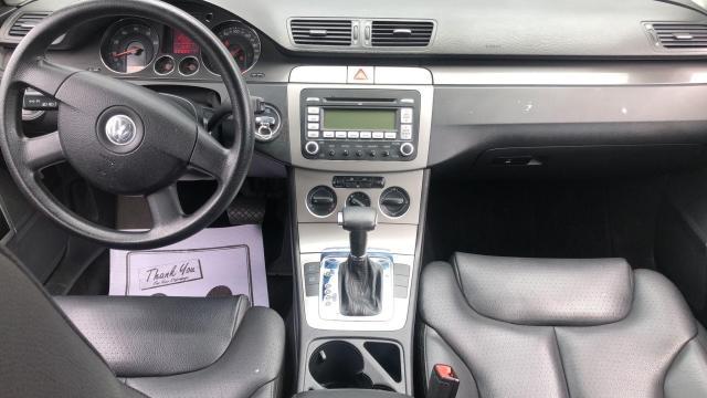 2007 Volkswagen Passat 2.0L TURBO 4CYL, LEATHER SEATS, HEATED SEATS,ALLOY Photo8