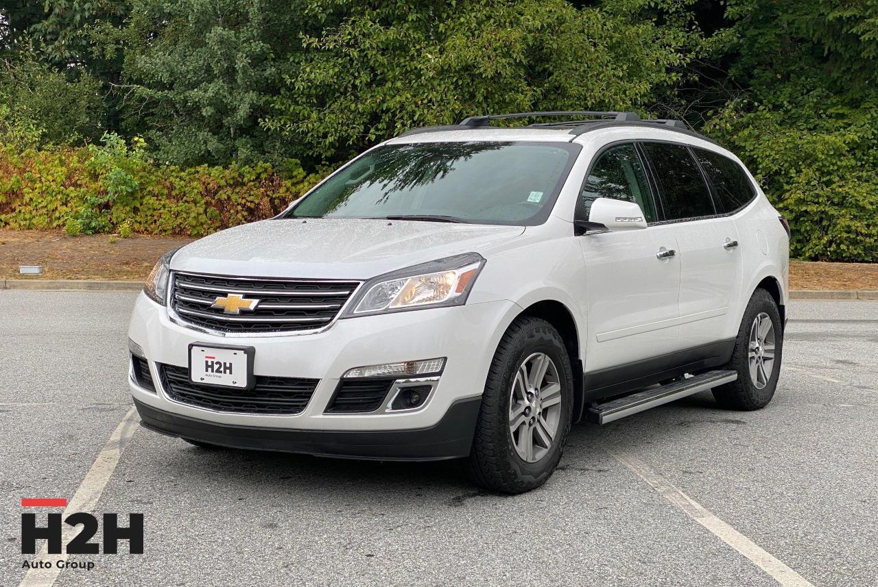 2017 Chevrolet Traverse 2LT Photo1