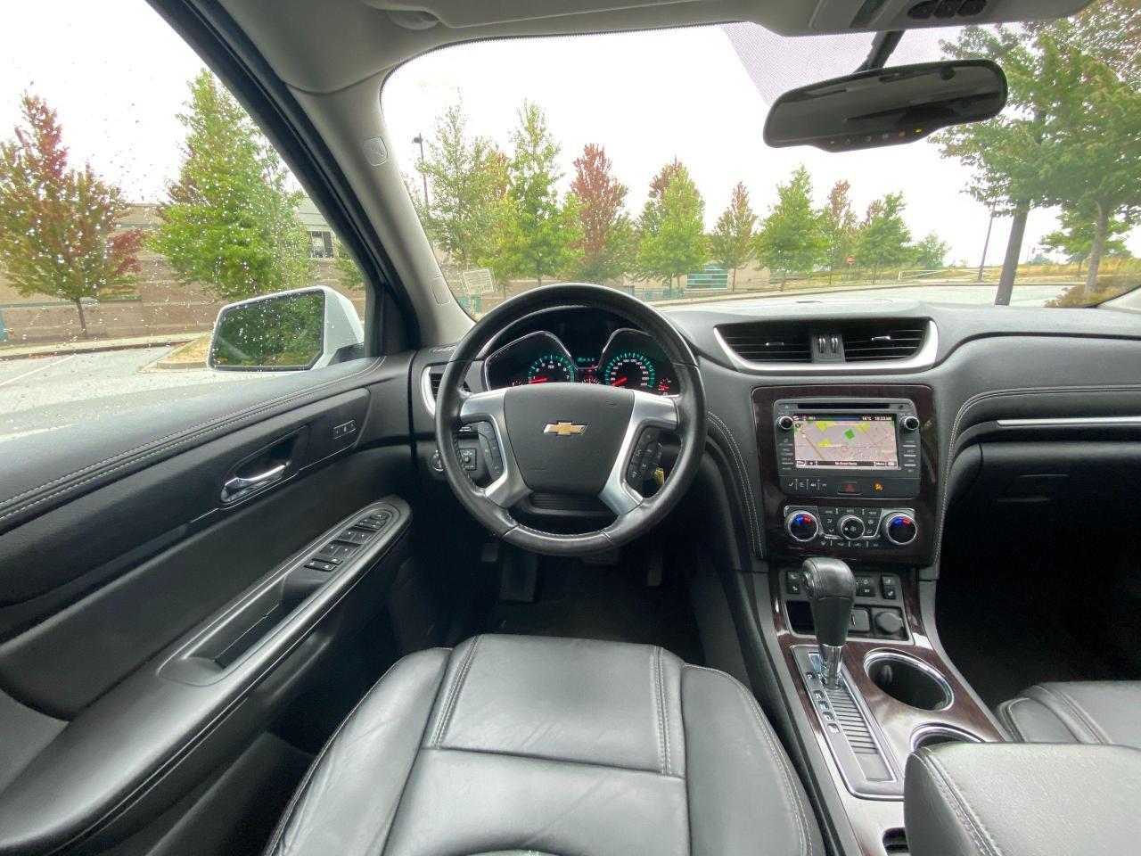 2017 Chevrolet Traverse 2LT Photo14