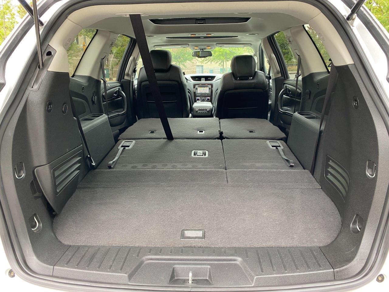 2017 Chevrolet Traverse 2LT Photo23