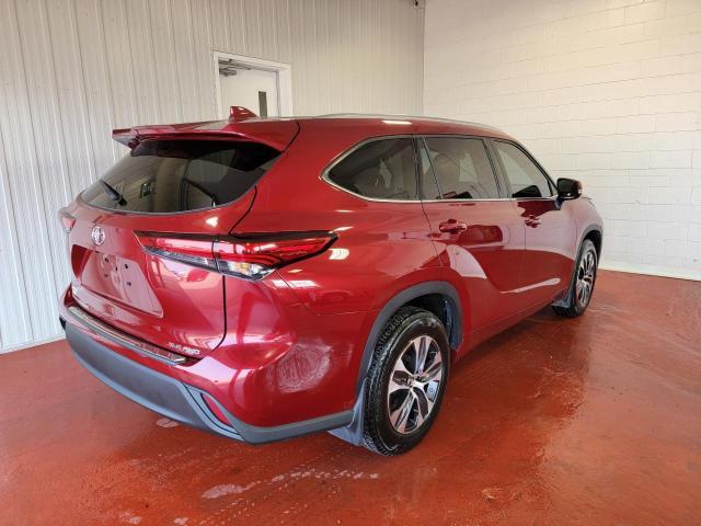 2020 Toyota Highlander XLE AWD Photo3