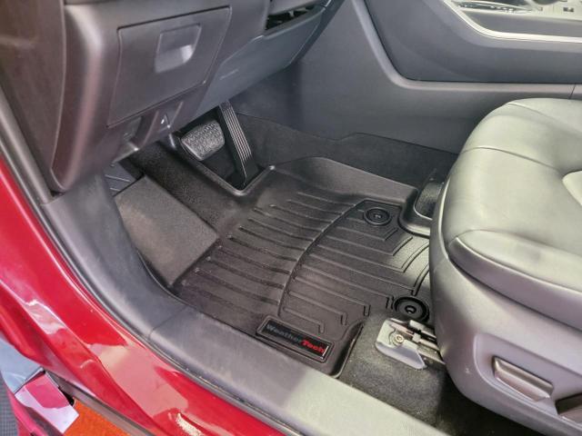 2020 Toyota Highlander XLE AWD Photo17