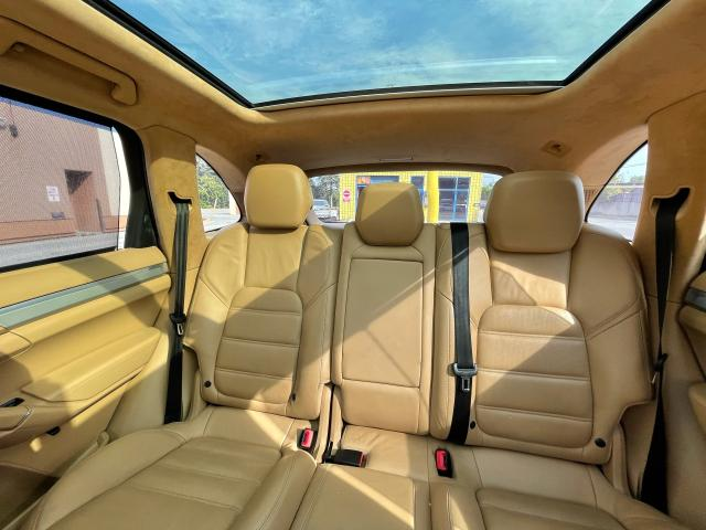 2012 Porsche Cayenne Turbo Navigation/Panoramic Sunroof/Camera Photo14