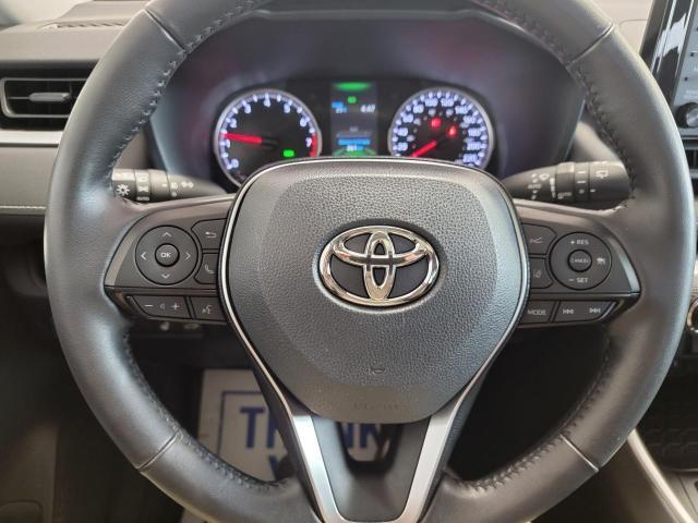 2019 Toyota RAV4 XLE FWD Photo12