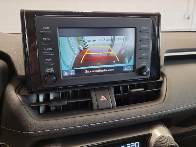 2019 Toyota RAV4 XLE FWD Photo17