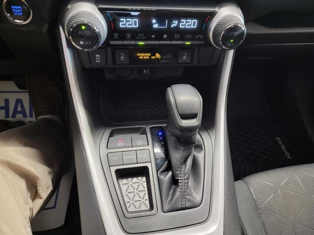2019 Toyota RAV4 XLE FWD Photo18