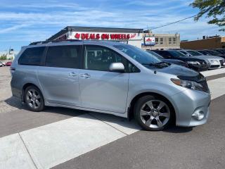 Used 2014 Toyota Sienna FWD 8-Passenger V6 Power Sliding Doors, Sunroof for sale in Oakville, ON