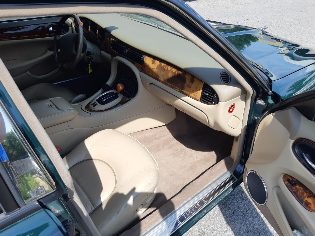 2001 Jaguar XJ