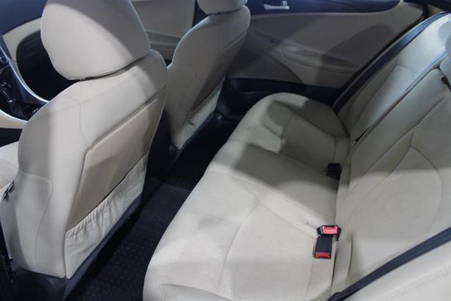 2011 Hyundai Sonata GL at