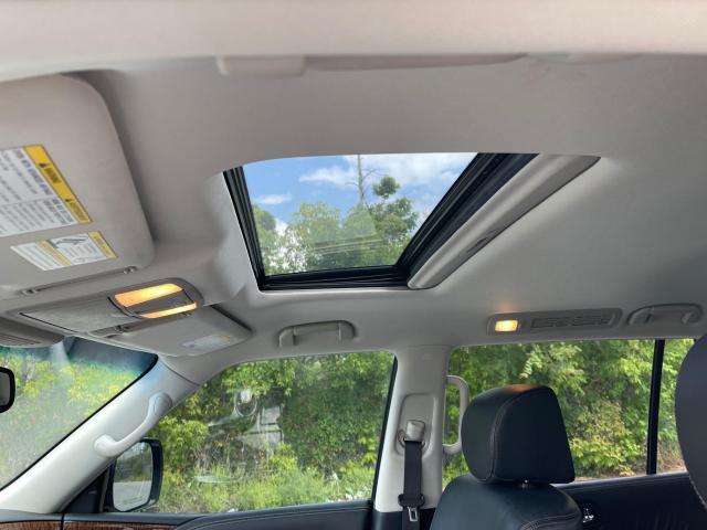 2017 Nissan Armada Platinum  Navigation/Sunroof/Camera/7 Passenger Photo12