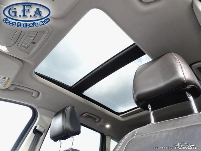 2017 Ford Escape SE MODEL, 4WD, BACKUP CAM, NAVI, SATELLITE RADIO Photo7