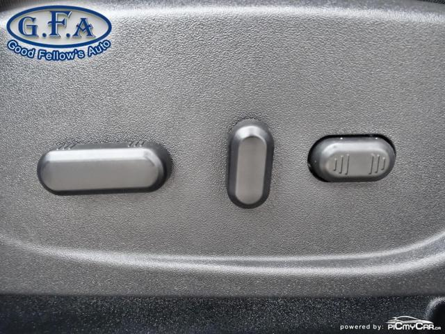 2017 Ford Escape SE MODEL, 4WD, BACKUP CAM, NAVI, SATELLITE RADIO Photo9