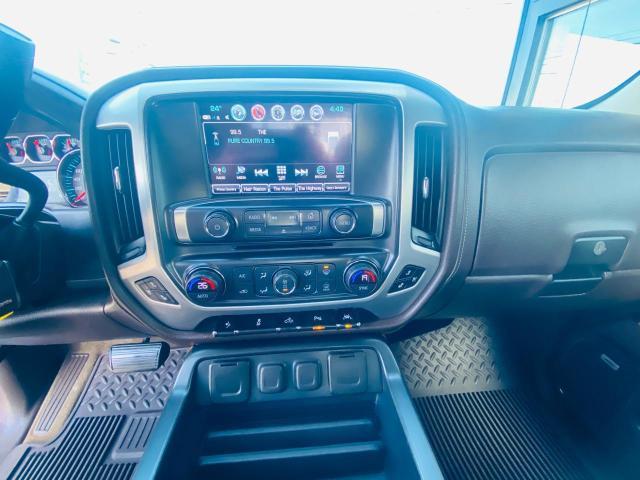 2017 GMC Sierra 1500 SLT / HYBRID / HEATED AND COOLED SEATS /