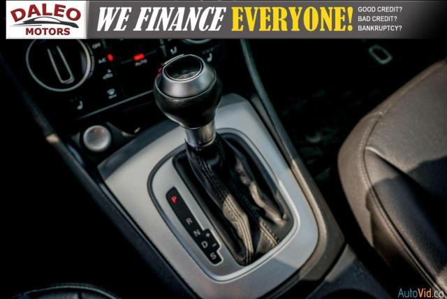 2016 Audi Q3 Progressiv / LEATHER / NAVI / PANOROOF /BACKUP CAM Photo28