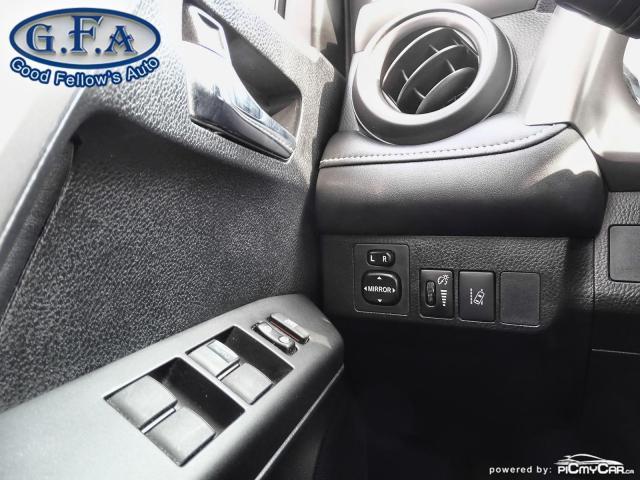 2017 Toyota RAV4 XLE MODEL, SUNROOF, REARVIEW CAMERA, HEATED SEATS Photo18