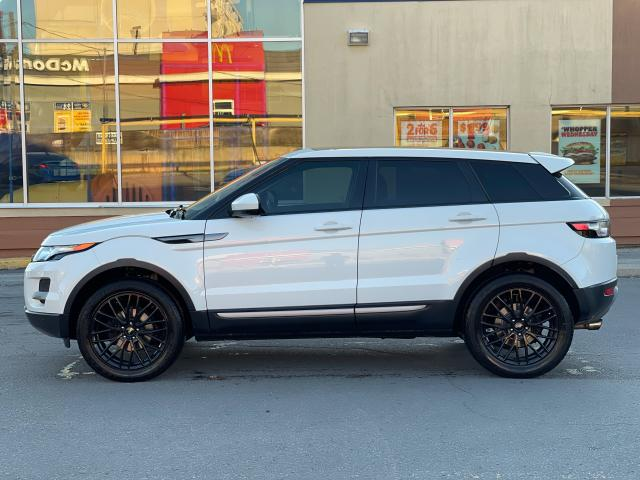 2015 Land Rover Range Rover Evoque Pure CAMERA/PANOROOF/MERIDIAN SOUND Photo2