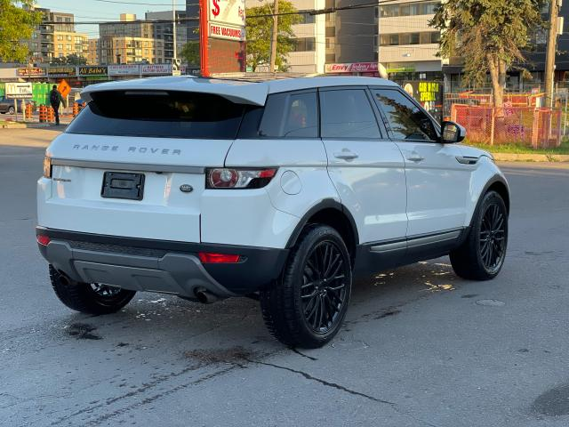 2015 Land Rover Range Rover Evoque Pure CAMERA/PANOROOF/MERIDIAN SOUND Photo5