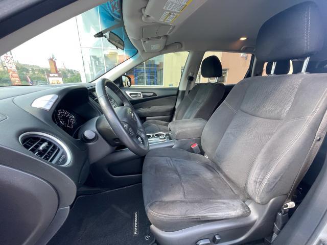 2014 Nissan Pathfinder SV 7 Passengers/Camera/AWD Photo8