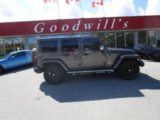 Used 2014 Jeep Wrangler Unlimited SAHARA! REMOTE START! NAVI! BLUETOOTH! for sale in Aylmer, ON