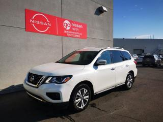 Used 2019 Nissan Pathfinder SV TECH/AWD/BACK UP CAM/KEY LESS START/BLIND SPOT/6000LB TOWING for sale in Edmonton, AB