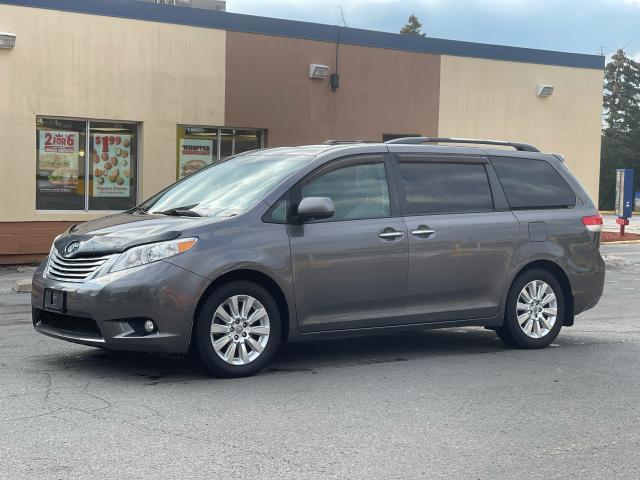 2011 Toyota Sienna Limited AWD Navigation/DVD/Panoramic Sunroof Photo1