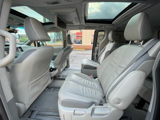 2011 Toyota Sienna Limited AWD Navigation/DVD/Panoramic Sunroof Photo10