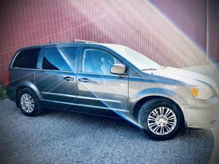 Used 2015 Chrysler Town & Country Touring, Leather, B-cam, Pwr Sliding Doors for sale in Scarborough, ON