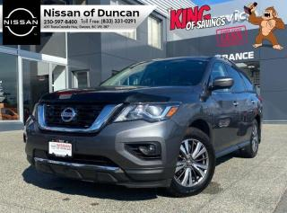 Used 2017 Nissan Pathfinder SL for sale in Duncan, BC
