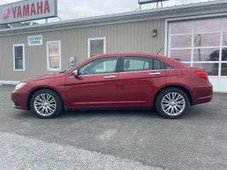 Used 2012 Chrysler 200 Limited for sale in Tilbury, ON