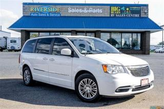 Used 2016 Chrysler Town & Country Touring-L - Nav - Sunroof - Backup Cam - Heated Seats - Heated Steering for sale in Guelph, ON