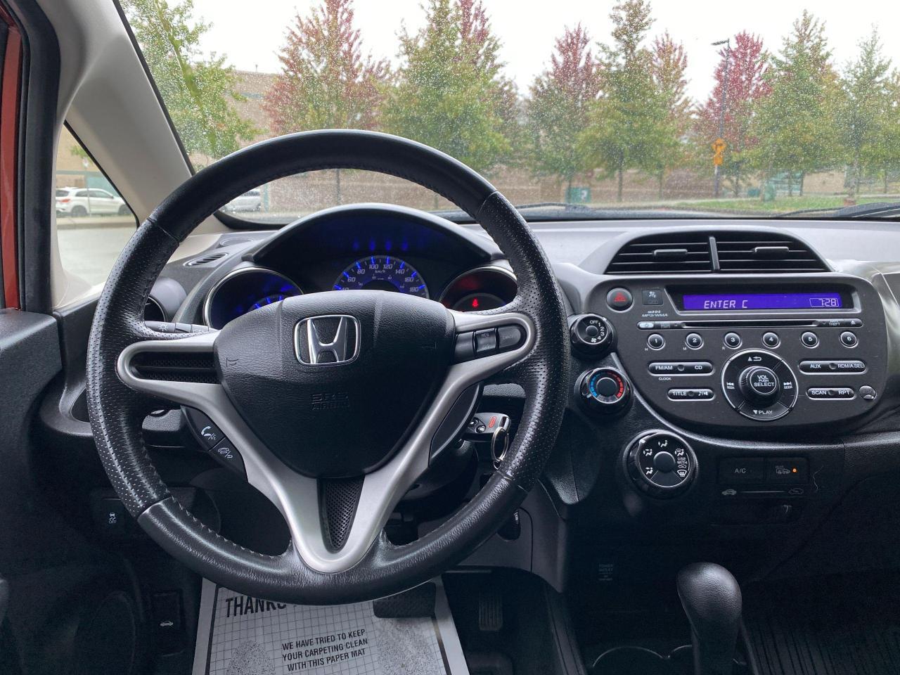 2013 Honda Fit Sport Photo12
