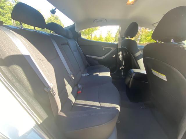 2015 Hyundai Elantra GL Photo10