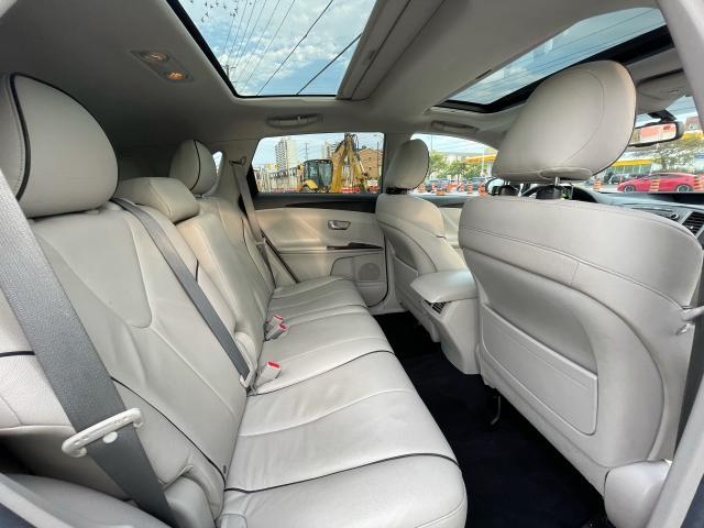 2012 Toyota Venza XLE AWD LEATHER/PANORAMIC SUNROOF /CAMERA Photo11