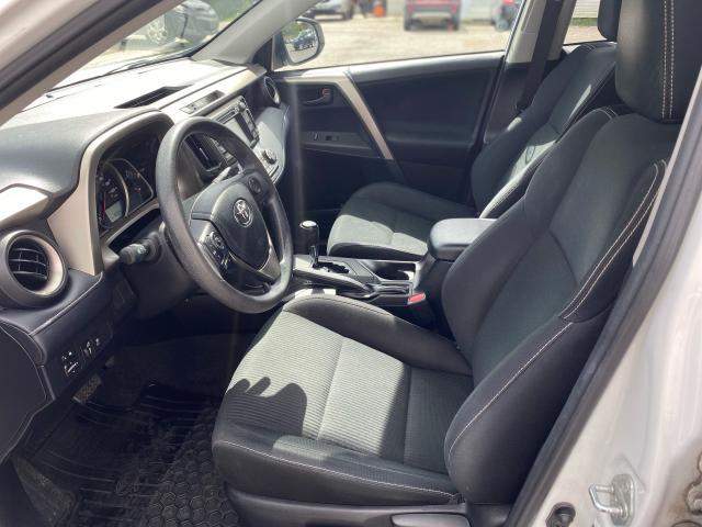 2013 Toyota RAV4 XLE Photo9