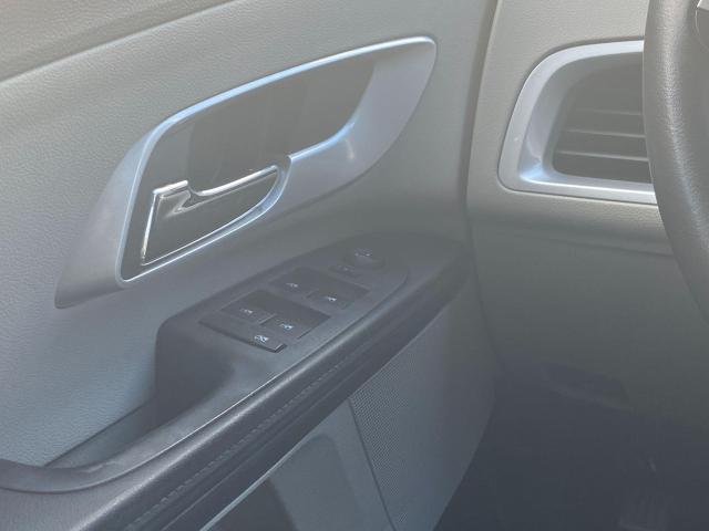 2011 Chevrolet Equinox LS Photo17