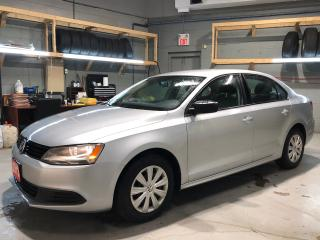 Used 2013 Volkswagen Jetta 2.0 4 Cylinder * AM/FM/CD/Aux * Keyless Entry * Automatic/Manual Mode * Sport Mode * Power Locks * Climate Control * Cloth Seats * 12V DC Outlet * Rea for sale in Cambridge, ON
