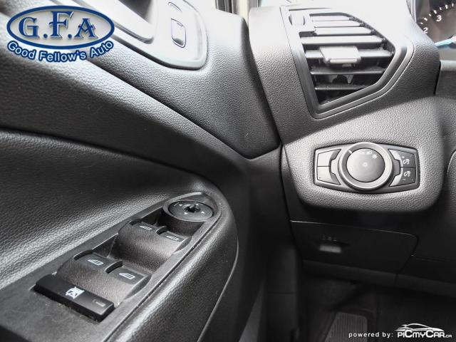 2018 Ford Escape SE MODEL, REARVIEW CAMERA, HEATED SEATS,POWER SEAT Photo17