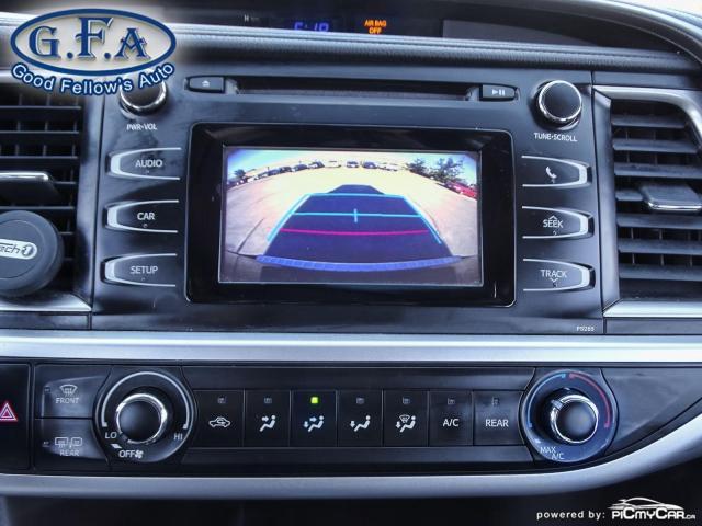 2016 Toyota Highlander LE MODEL, 8 PASSENGER, REARVIEW CAMERA, BLUETOOTH Photo17