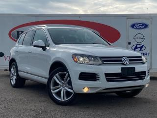 Used 2014 Volkswagen Touareg 3.6L Comfortline *HEATED LEATHER SEATS, MOONROOF* for sale in Midland, ON