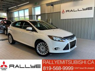 Used 2012 Ford Focus Titanium W/LEATHER , SUNROOF for sale in Ottawa, ON