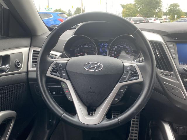 2013 Hyundai Veloster w/Tech Photo11